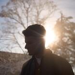ジョシュ・カンビー、東京で撮影した新曲「Worth Missing」のMVを公開