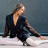 Fashion/Reborn: 「現在は、郊外と平凡さが醸し出す安心感について探求しています」Interview with Rebecca-Marian Irene