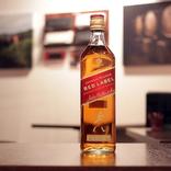 世界一売れてるスコッチウイスキーが四角い瓶になった理由