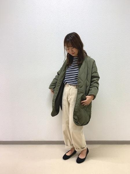 ネイビーTシャツの冬ファッションコーデ2