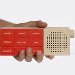 交換式ボタンで海外のラジオが聞ける「The CityRadio」