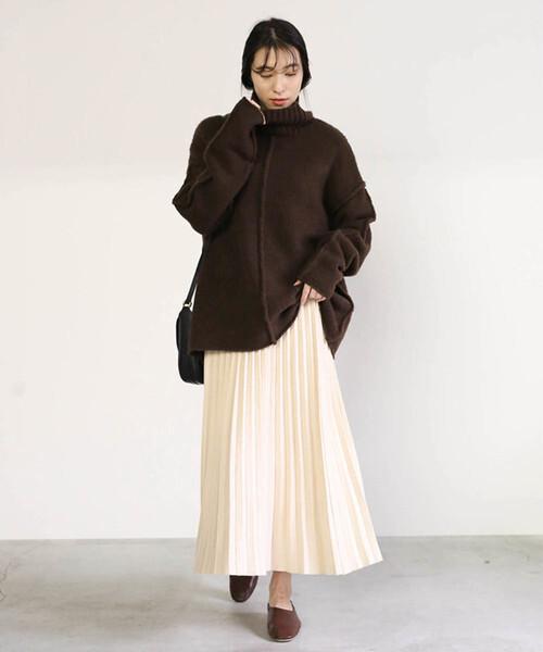 プリーツニットスカートの冬コーデ