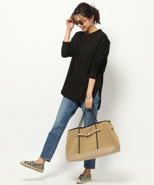 デニム×黒Tシャツコーデ