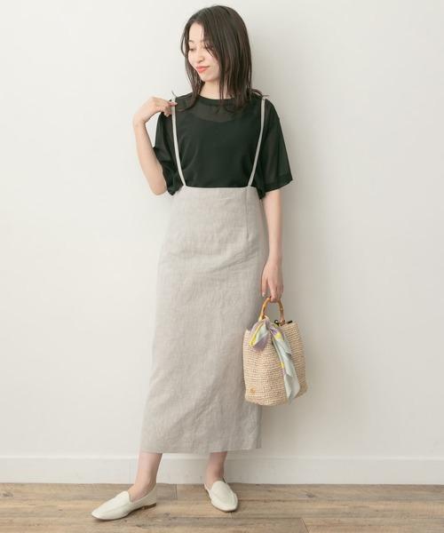 サスペンダースカート×黒Tシャツコーデ