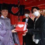 all at once、 全国から寄せられたデジタル絵馬を歌と共に恋木神社へ奉納