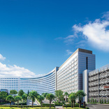 シェラトン・グランデ・トーキョーベイ・ホテル、ディズニー入園保証のパークパスポート付きプラン販売中 パス込みで1人2.2万円から