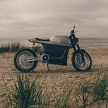 再生可能は電気だけにあらず。エコでレトロ・フューチャリスティックなEVバイク「Tarform Luna」