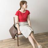 夏の赤トップスコーデ【2020】おしゃれ度がUPするセンスの良い着こなし方は?