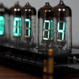 古いのに新しい!? VFD管で魅せるクールな時計を使ってみた