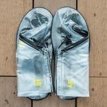 シューズ用レインカバーで大事な靴を雨からガード! 折りたためば持ち運びも楽々だよ