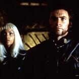 『X‐メン』公開から20年、ヒュー・ジャックマン&ハル・ベリーが懐かしの写真を公開