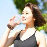 プロテインやサプリメント、水で飲むか牛乳で飲むか?