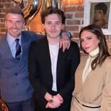 """ベッカム夫妻、婚約した長男ブルックリンと女優ニコラ・ペルツに""""愛の巣""""をプレゼント"""