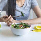 """痩せなきゃ…無理なダイエットを続ける読モ、ある日""""体に異変""""が"""