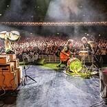 ブライアン・セッツァー率いるストレイ・キャッツ、最新ライヴアルバムを日本先行発売