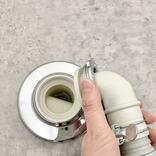 簡単、洗濯機の排水ホースの掃除。外し方から洗浄テクまで全部紹介