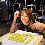 「#ひま粒し」で話題 吉川友が半年ぶりライブ、本業の魅力たっぷり