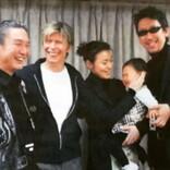 山本寛斎さん、デヴィッド・ボウイさんとの楽屋ショットに布袋寅泰「二人はもう星の人となってしまった」