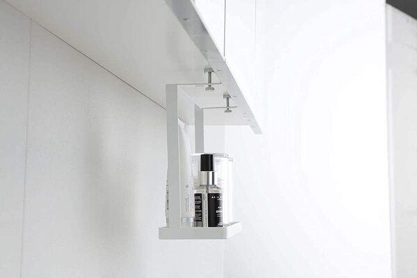 山崎実業「洗面戸棚下ラック タワー」に小物を置いた時の横からみた図