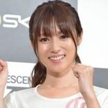 深田恭子、かわいい部屋着&白い水着でサーフィンする姿に反響 「控えめに言って女神」