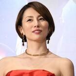 米倉涼子、珍しい自撮りショットに反響  「めちゃくちゃレア」「美しすぎます」