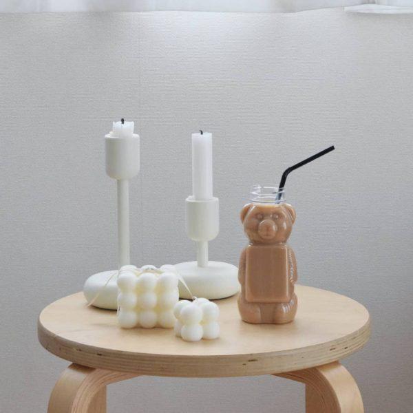 おうちカフェを盛り上げるクマモチーフのボトル