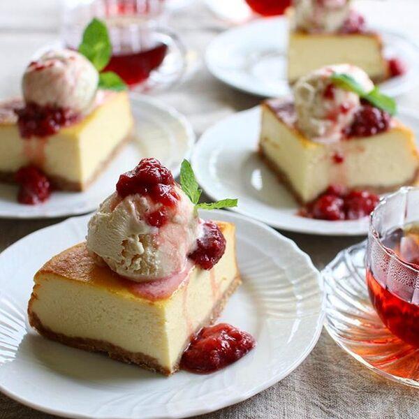 アレンジレシピ!バニラ乗せベイクドチーズケーキ