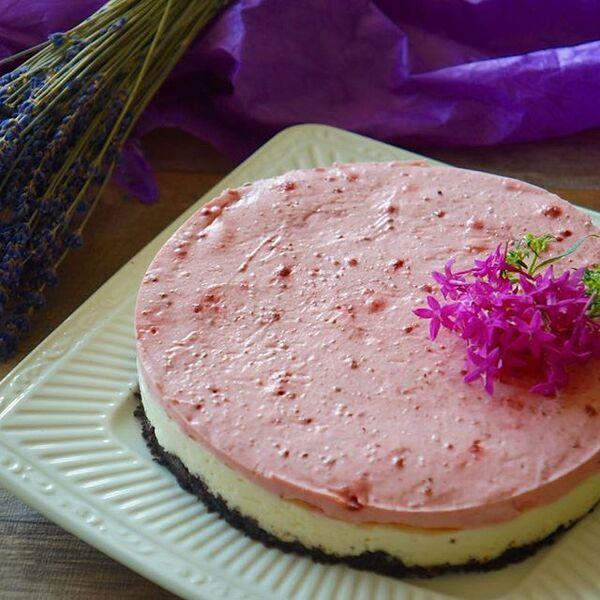 ストロベリーパウダーのアレンジチーズケーキ
