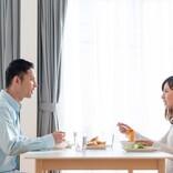 箸で人を指すってどうなの? ギョッとするほど悪い、彼の「食事マナー」どうすれば…