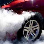 車、排気ガスに加えてマイクロプラスチック排出も問題に