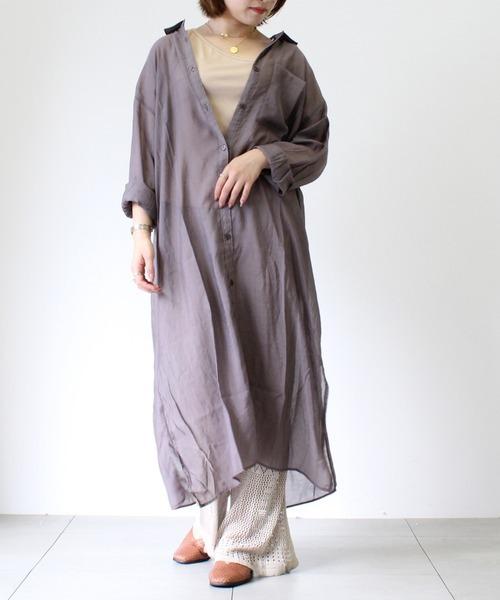 シアーシャツワンピース×透かし編みパンツ
