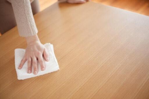 水分が家具の寿命を縮める!定期的にカラ拭きを