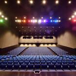 華大、ロバートも祝福!福岡の新劇場オープンに大吉「吉本のストロングスタイル」を述べる