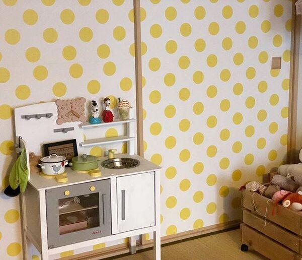 子供部屋の和モダンな壁紙の内装