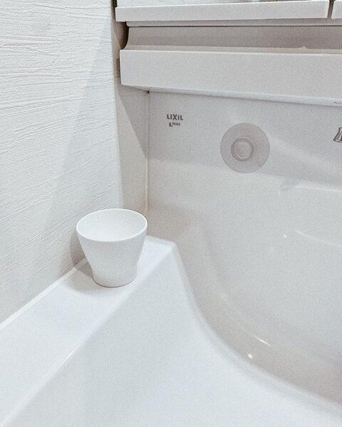 洗面所コップの収納アイデア4