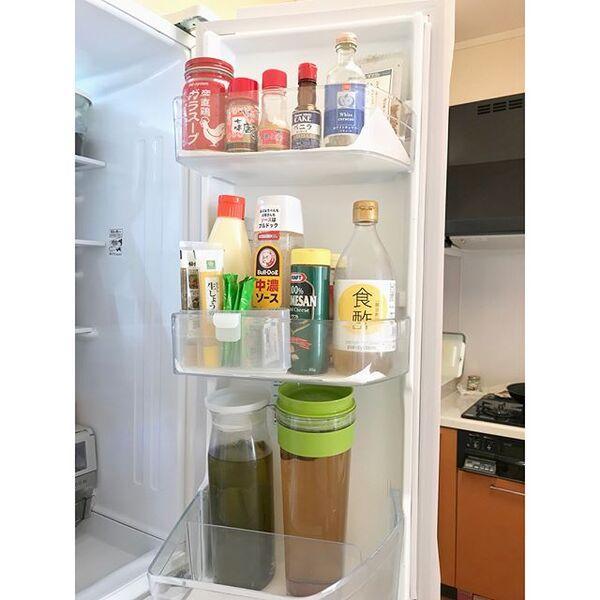 冷蔵庫のドアポケット収納《チューブ》3