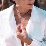 胸の谷間がぷ~んと汗くさい!胸汗ケアの制汗剤、専門家のおすすめは?