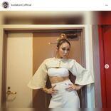 「腹筋やばっ」倖田來未、美スタイル際立つ新MV衣装に反響「足長い!!」「スタイル神」