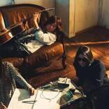 浅井健一 & THE INTERCHANGE KILLS、ニューシングル「TOO BLUE」にはベンジーワールド全開の3曲を収録
