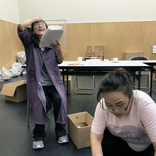 木野花と渡辺えりが、コロナ禍を経て「今できることは何か考えて企画変更」(渡辺)~二人芝居『さるすべり~コロナノコロ』にチャレンジ!
