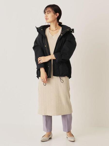 ニットワンピできれいめカジュアルな服装