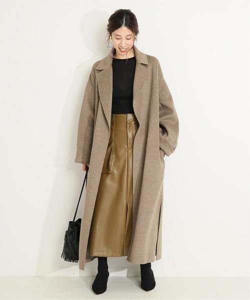 レザースカートできれいめな11月の服装