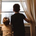 映画「誰も知らない」周囲も親も知らない子どもたちだけの日常が胸に迫る