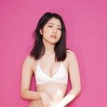 吉田莉桜、18歳の大人っぽい色気も披露「ヤングキング」表紙に登場