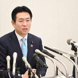 秋元司被告の弁護人が辞任 「弁護方針の違い」で