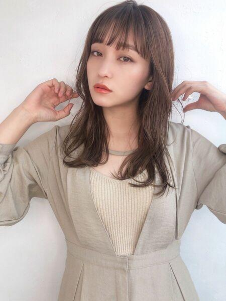 ミルクティーベージュの髪型【ロング・セミロング】8