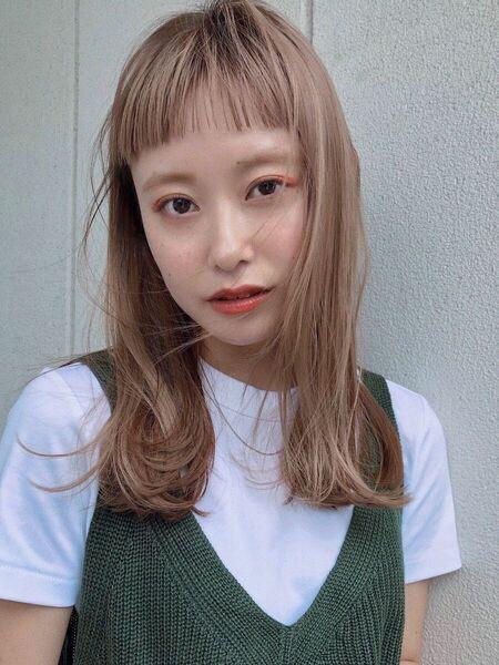 ミルクティーベージュの髪型【ロング・セミロング】10