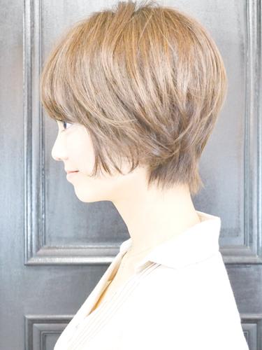 ミルクティーベージュの髪型【ショート・ショートボブ】4