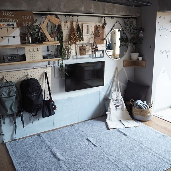 壁掛けで省スペース!一人暮らしインテリア