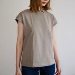 無印の「カジュアルすぎないTシャツ」が夏の仕事着に最適説。楽チンなのにキッチリ感も演出できるぞ マイ定番スタイル